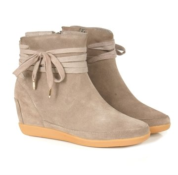 Shoe The Bear Emmy Star Sude Taupe. 1200,-